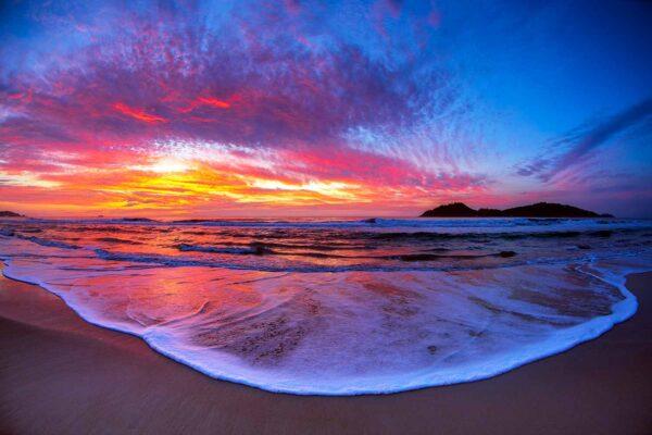 Nascer do sol na praia do Campeche Florianópolis
