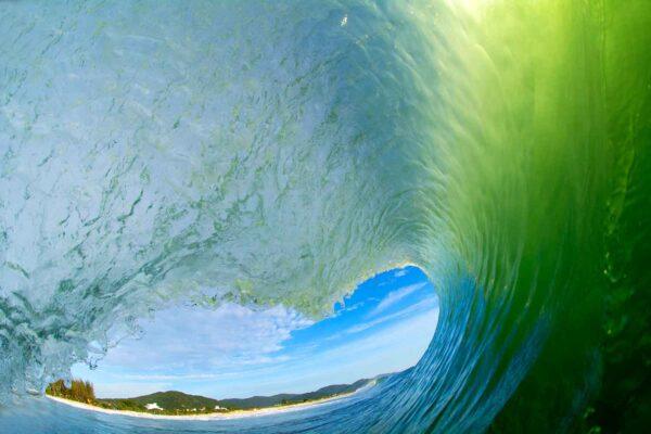 Foto de dentro do tubo na praia do Campeche