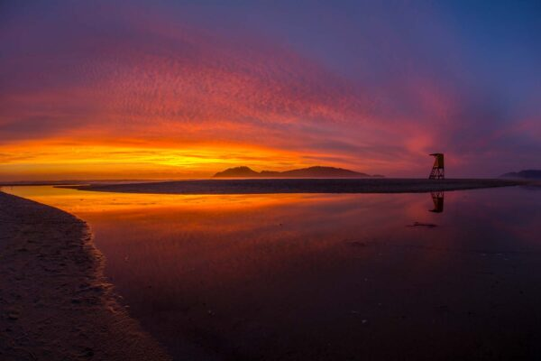 Nascer do Sol na praia do Campeche em Florianópolis