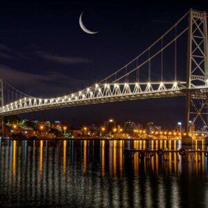 Foto Ponte Hercílio Luz com a Lua